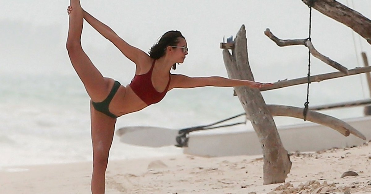 Dobrev bikini nina Nina Dobrev