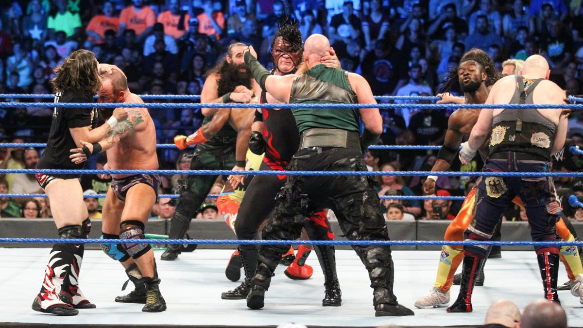 WWE 'Smackdown' Recap: Kane, Daniel Bryan, and 'The New Day' Dominate 10-Man Tag Team Match