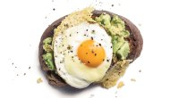 Recipe: How To Make Avocado Toast With Fried Egg and Gruyere