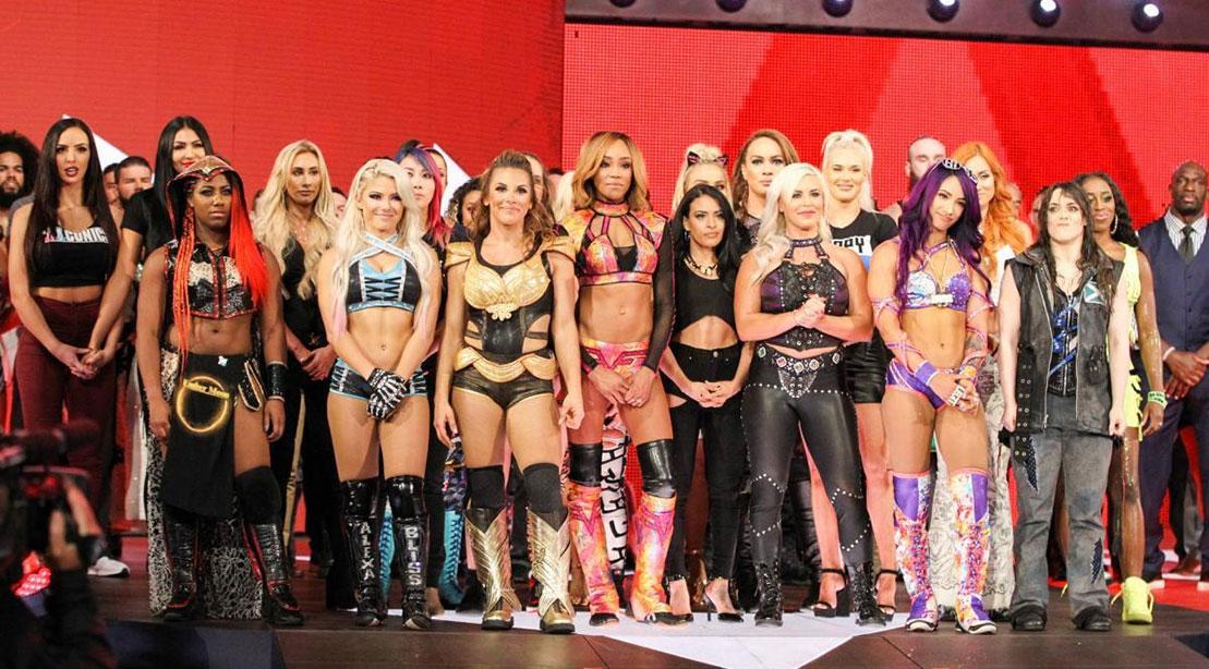 Top 10 Female WWE Wrestlers