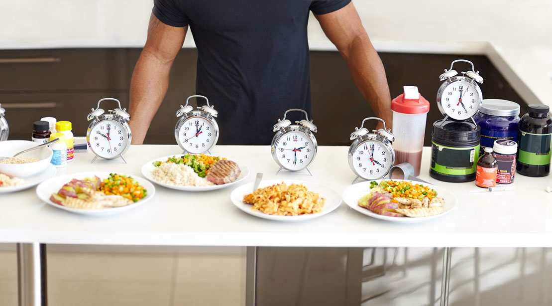 Man intermittent fasting and timing his meals and feeding windows