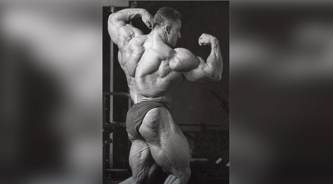 Dorian Yates, one of the most famous bodybuilders to ever step foot on this planet showcasing his MASSIVE back.