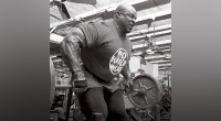 Ronnie Coleman Doing Barbell Rows