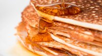 1109-Pancakes-Maple-Syrup-GettyImages-562610289