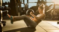 1109-Medicine-Ball-Crunch-Abs-Workout-GettyImages-907484960
