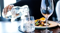 6-Tips-Dining-Out-Water