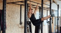 hanging-leg-raise-1022175000