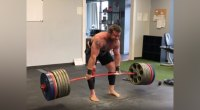 Andrew Hause deadlifting 715 pounds for five reps