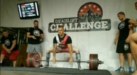 Polish Powerlifter Deadlifts 953 Pounds for a World Record