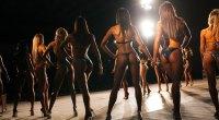 Behind-The-Scene-Shot-Female-Bodybuilding-Competitors
