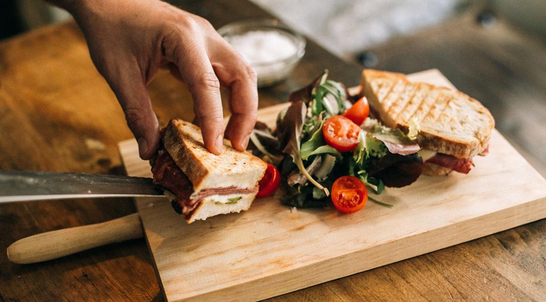 Hand-Plating-Sandwich-Carver-Board