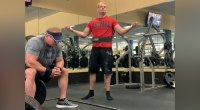 Gym-Goer Silently Protests Against Powerlifter's Chalk Use