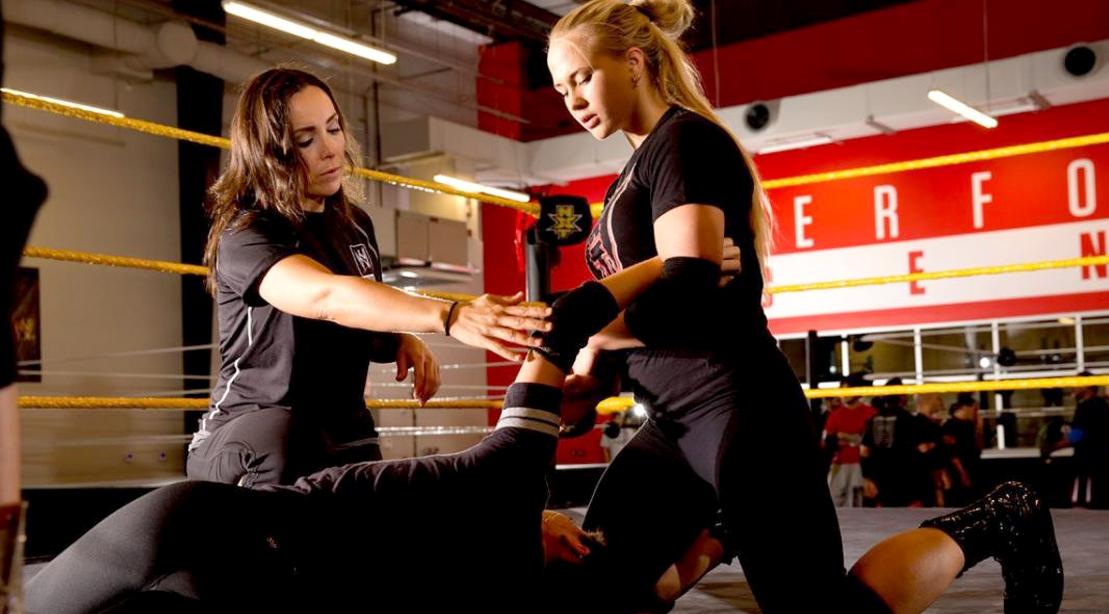 Sara-Amato-Training-Wrestler-WWE