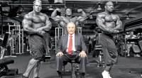 Joe Weider surrounded by bodybuilder Jay Cutler Phil Heath and Dexter Jackson