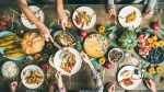 Thanksgiving-Dinner-Meal-People-Sharing-Food