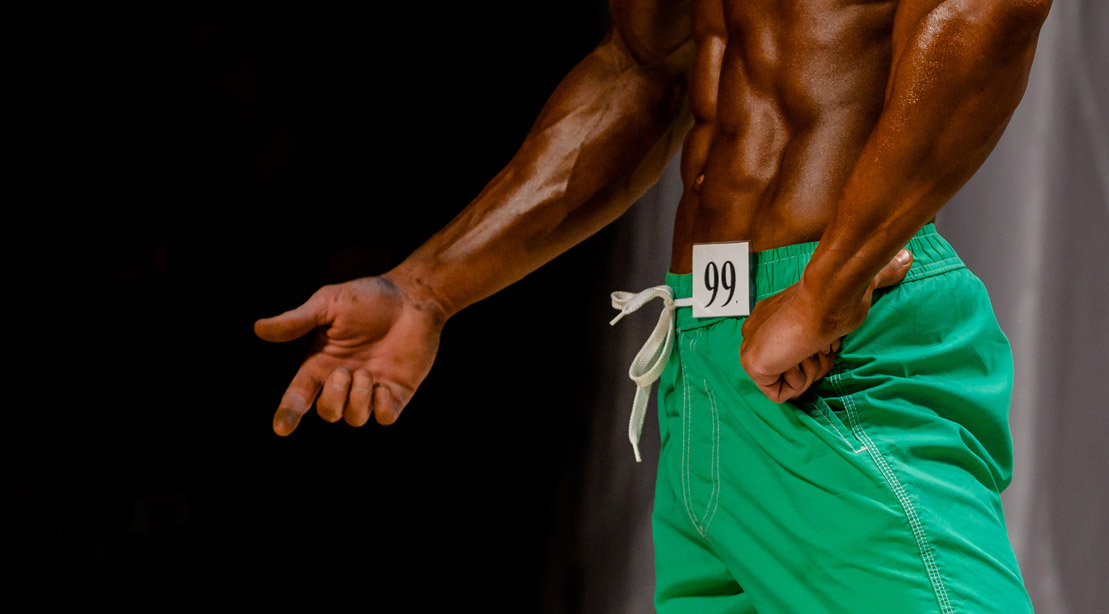 Bodybuilder-In-Shorts-Physique-Bodybuilding-Competition