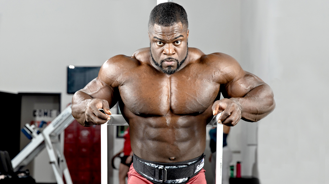 Brandon-Curry-Mr-Olympia-Setting-Up-For-Dip-Exercise
