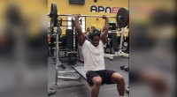 Powerlifter Supersets a Bench Press With a Sit-Up