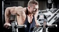 Muscular-Bodybuilder-Doing-Dip