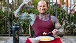 Jim Stoppani eating breakfast eggs outdoors