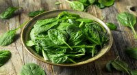 Healthy and fresh green spinach leaves for lowering your blood sugar levels