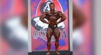 Alex Combronero classic physique bodybuilder