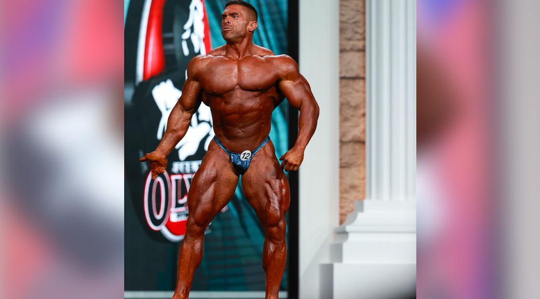 Professional-Bodybuilder-Derek-Lunsford-posing-at-Olympia-2020