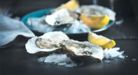 Raw oysters contains the micronutrient iron