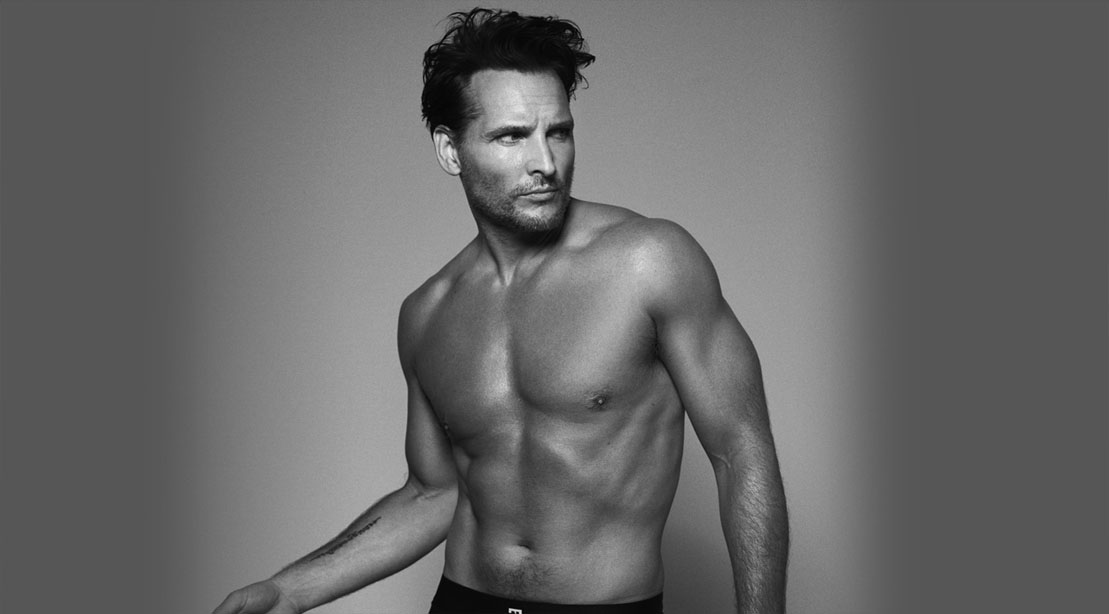 Black and white image of actor Peter Facinelli transformation