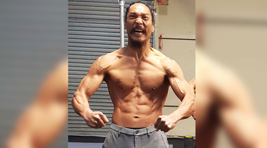 Actor Jason Scott Lee showing his shredded muscular physiques and abs at over 40