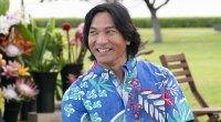 Jason Scott Lee wearing a Hawaiin shirt in Hawaii